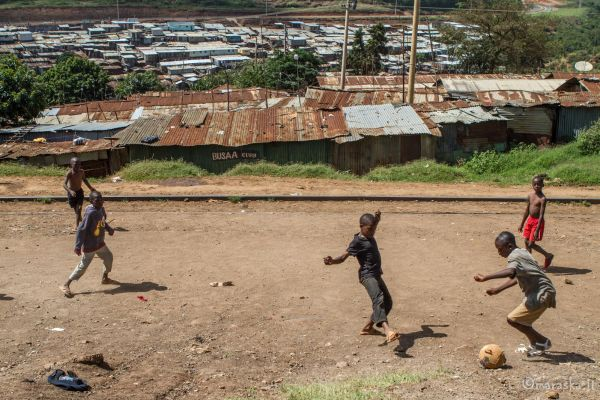 kenya-people-img-0918ACA5DAD2-EB6A-D587-E382-B6CCA7AFFDCA.jpg